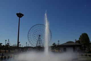 駅前の噴水